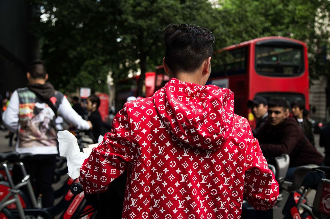 SUPREME X LOUIS VUITTON LONDON DROP THE BLUP