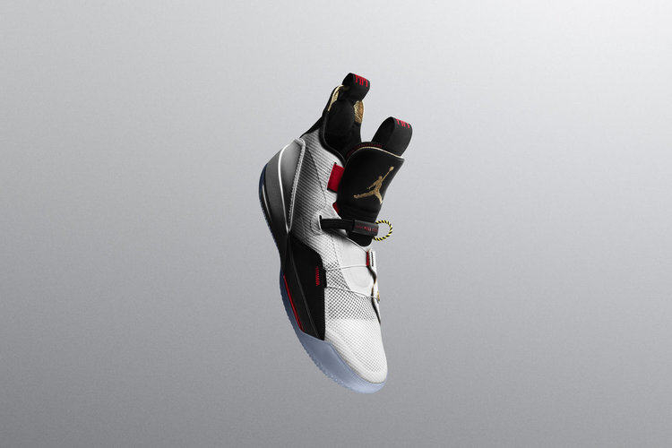 NIKE AIR JORDAN 33 SAYS GOODBYE TO LACES THE BLUP
