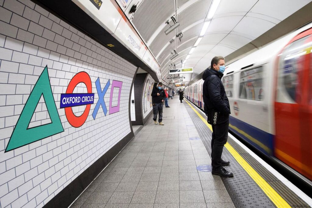 PLAYSTATION TAKES OVER OXFORD CIRCUS TUBE AHEAD OF PS5 LAUNCH THE BLUP
